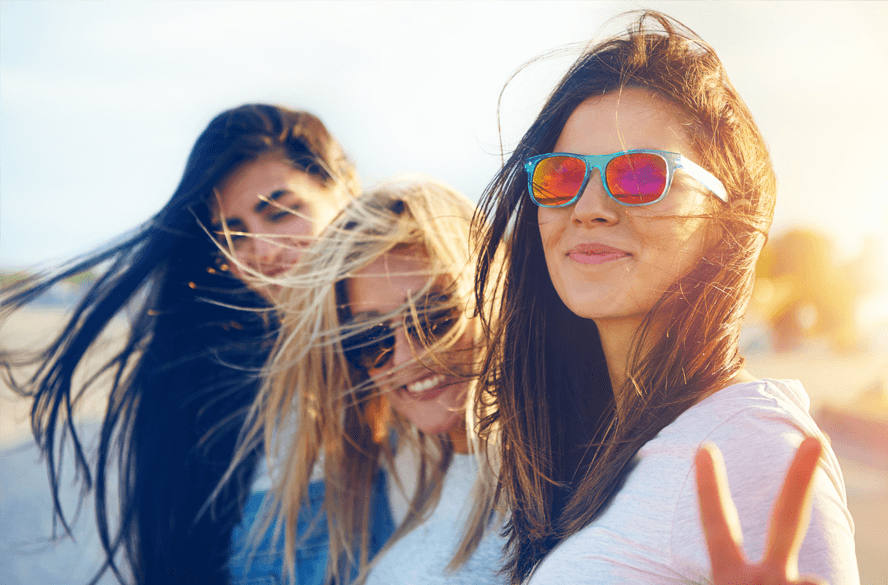 women with sunglasses on